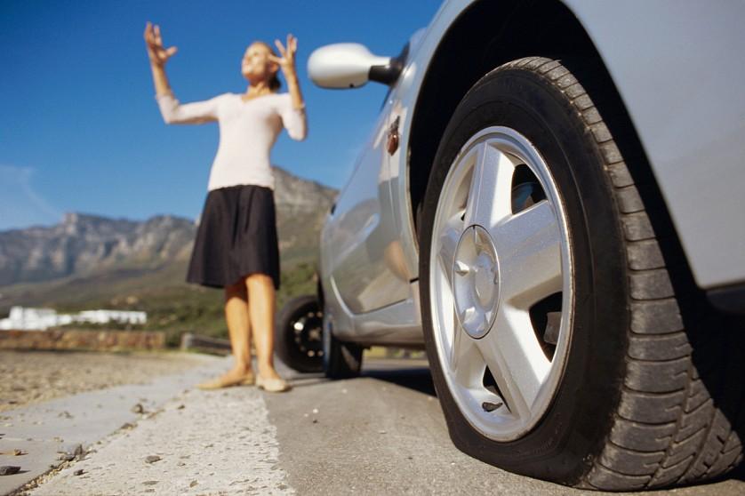 Если шина спустила в дороге