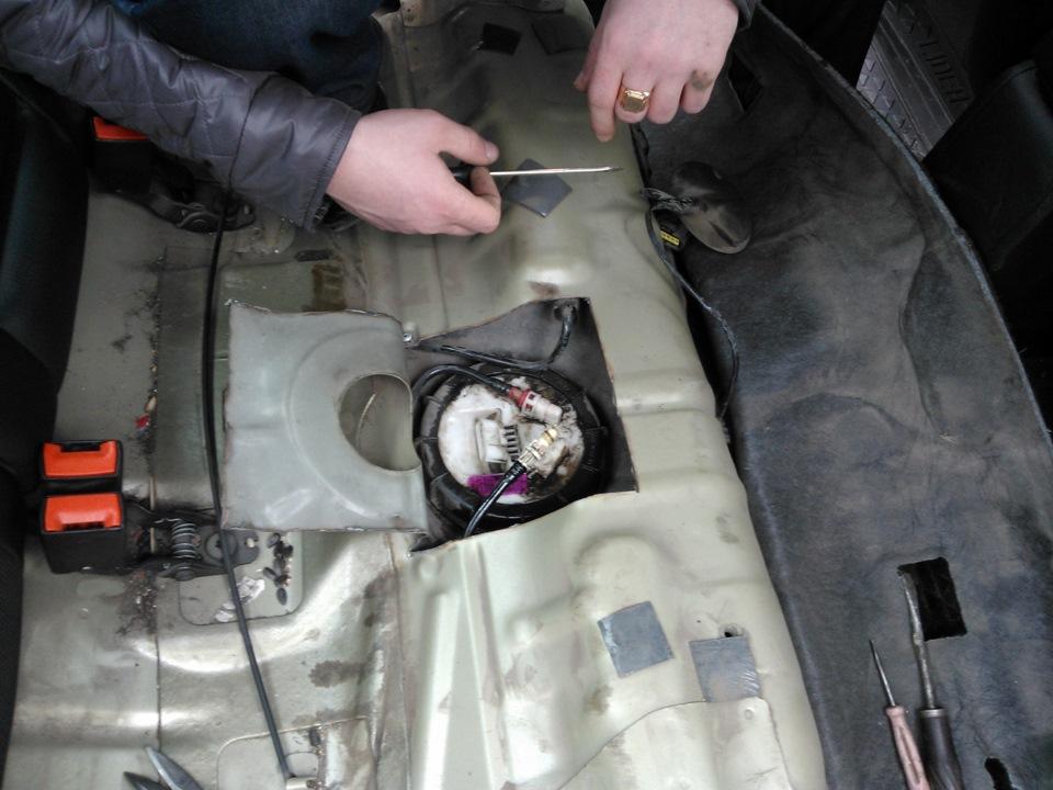 Меняем бензонасос на Форд Фокус 2 своими руками